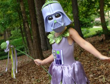13 Adorably Disturbing Kids Costumes